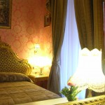 Sample Hotel Romance Room from www.hotelromance.it - Rome